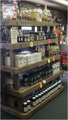 Bear-Creek-Smokehouse-shelves